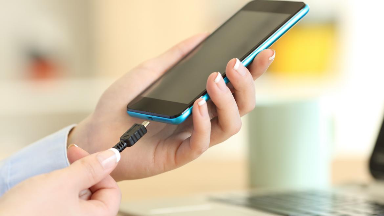 Adapter, dzięki któremu połączysz urządzenie USB z telefonem!